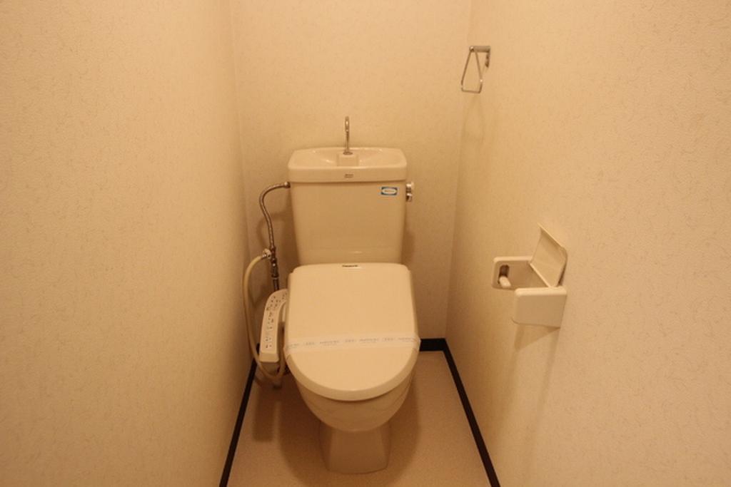 広島県広島市安佐南区八木1丁目 温水洗浄便座はサービス品