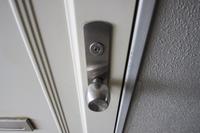 玄関ドア鍵