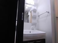 ※2階の写真になります。5~8階までは床が茶色になります。建具も階によって異なりますので、良和ハウスにてご確認、お願い致します。