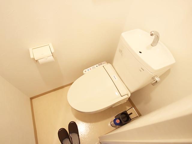 エールマンスリー堺町 弐番館 1K トイレ