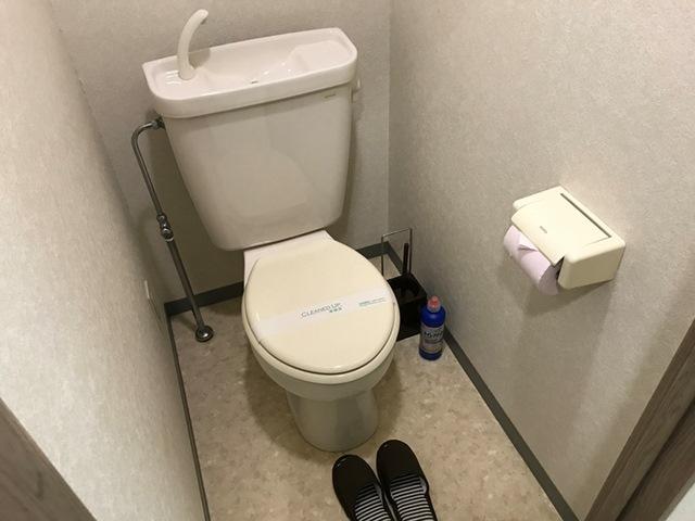 エールマンスリー堺町 参番館 1K トイレ