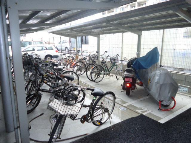 エールマンスリー横川 参番館 1K 駐輪場
