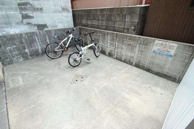 エールマンスリー横川 弐番館 1LDK 駐輪場